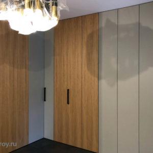Встроенные шкафы в холле. Сборка и установка встроенных шкафов