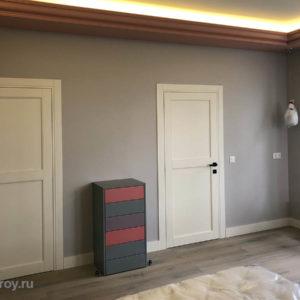 уборная и ванная в спальне. Комплексная отделка, устройство потолка и освещения