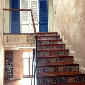 облицовка лестницы в коттедже
