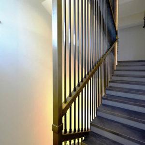 Ограждение лестницы в интерьере, КП Чистые Пруды