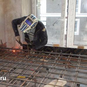 Изготовление железобетонной площадки лестницы, армирование