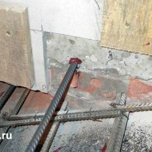 При армировании новых элементов - лестниц, перекрытий применяем эпоксидные анкеры