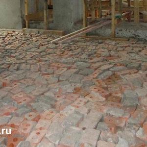 Использование строительных материалов из конструкций объекта для поднятия уровня пола, 1 этаж