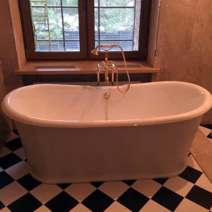 ванна в банном комплексе