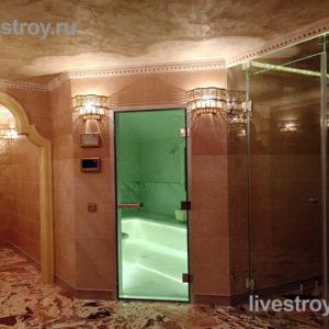 душ, бассейн и хамам в банном комплексе коттеджа