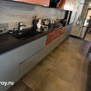 пол на кухне облицовка качественной плиткой