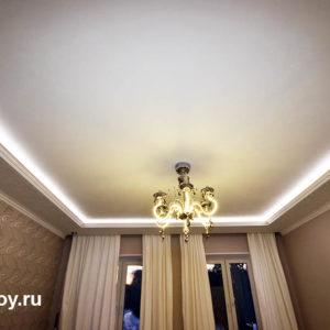 потолок с люстрой два уровня