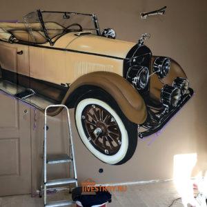 нанесение 3D изображения старинного авто в детской