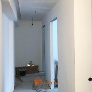 коридор, выполнена шпатлевка