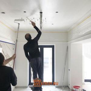 отделка потолков с освещением